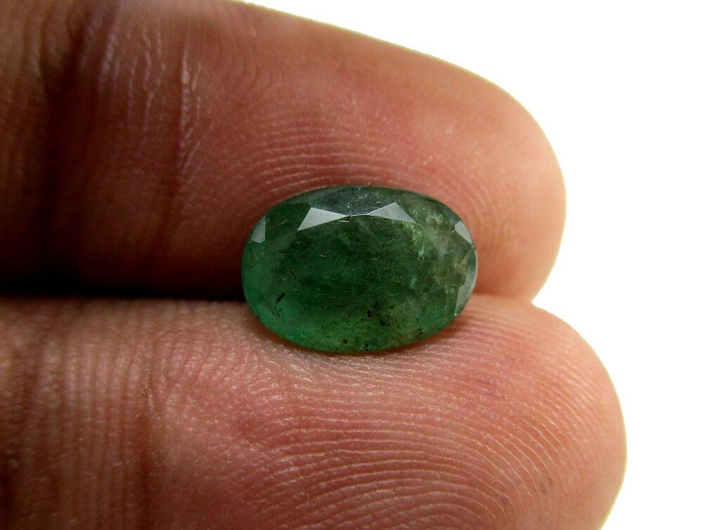Emerald - 1.96 Carat - GFE06002 - Image 3