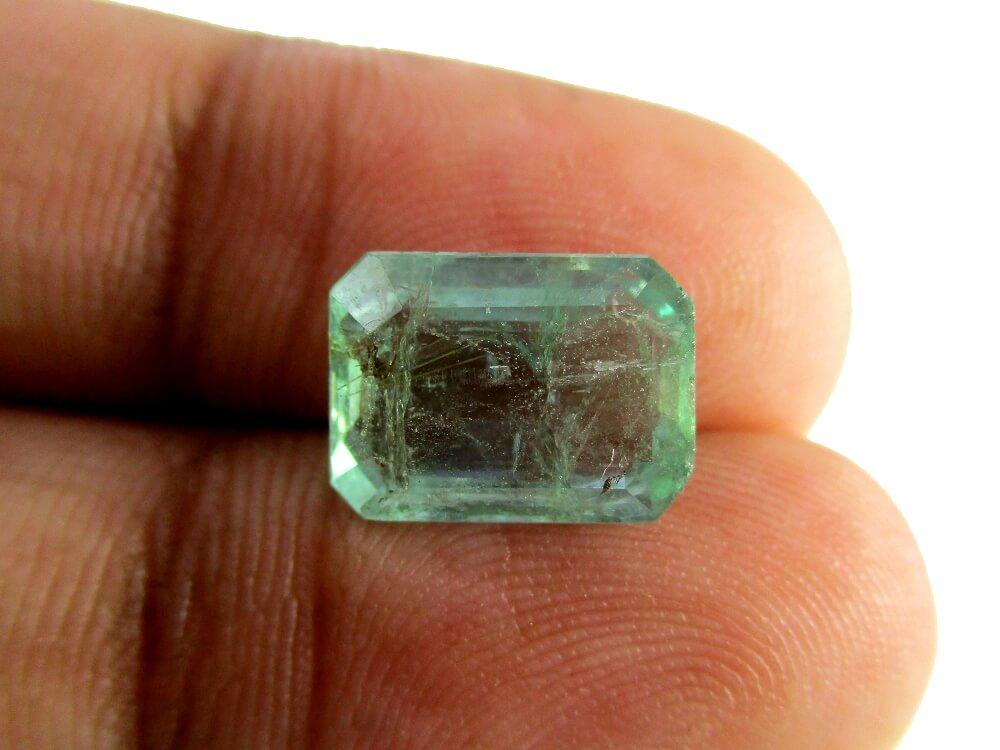 Emerald - 3.90 Carat - GFE06073 - Image 3