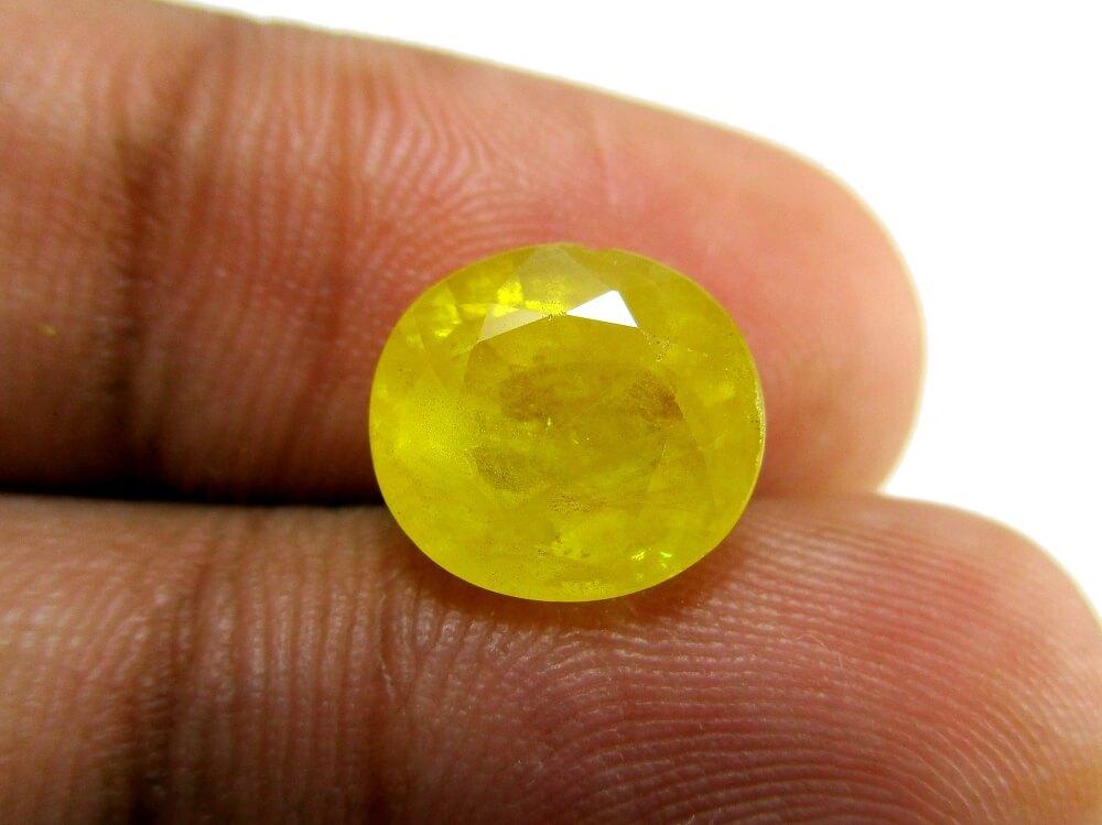 Yellow Sapphire - 4.72 Carat - GFE07023 - Image 3