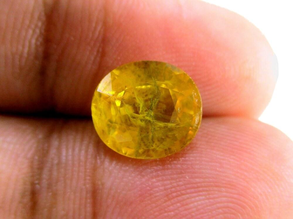 Yellow Sapphire - 4.15 Carat - GFE07027 - Image 3