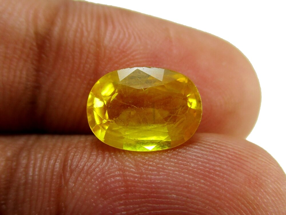 Yellow Sapphire - 3.01 Carat - GFE07042 - Image 3