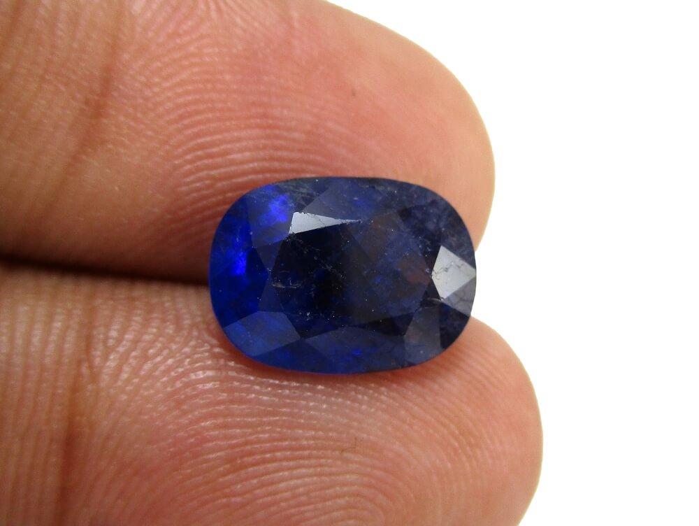 Blue Sapphire - 3.95 Carat - GFE08011 - Image 4