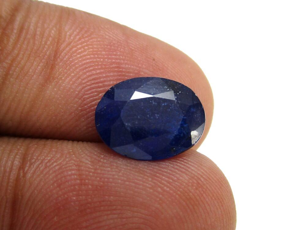Blue Sapphire - 3.99 Carat - GFE08012 - Image 4