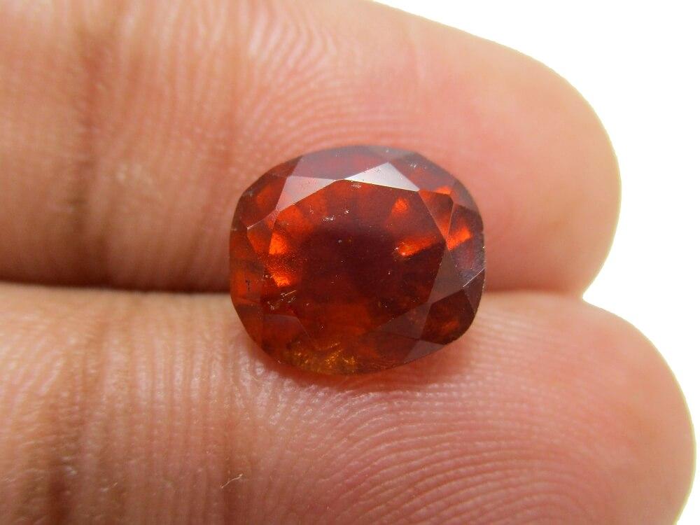 Hessonite Garnet - 4.19 Carat - GFE09010 - Image 3