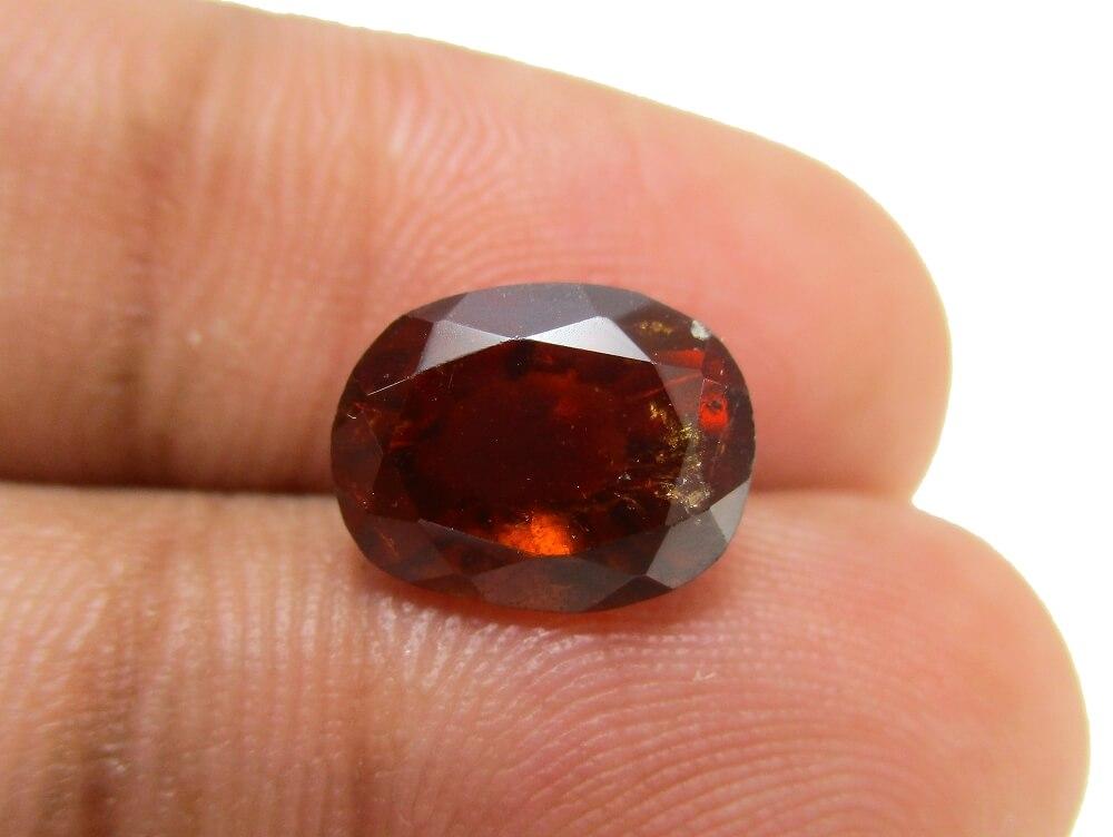 Hessonite Garnet - 4.23 Carat - GFE09012 - Image 3