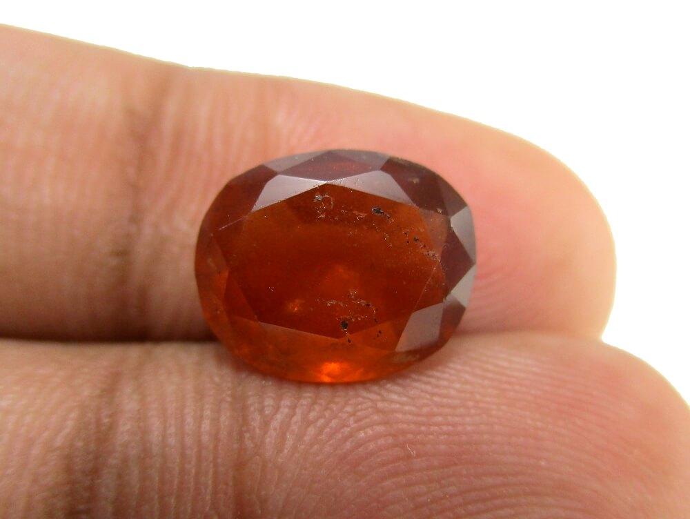 Hessonite Garnet - 4.38 Carat - GFE09014 - Image 3