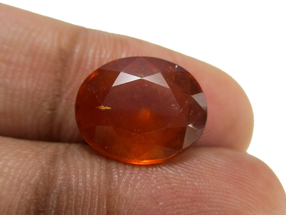 Hessonite Garnet - 6.76 Carat - GFE09039 - Image 3