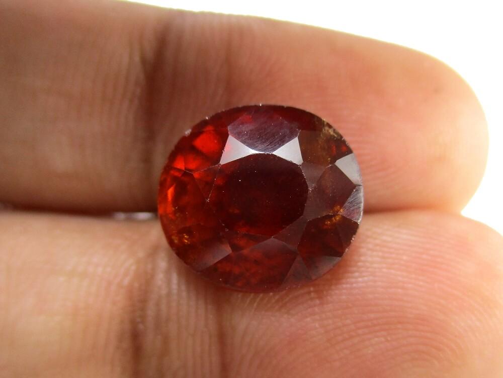 Hessonite Garnet - 9.26 Carat - GFE09072 - Image 3